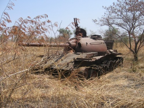Abandoned-Sudanese-tank-outside-Malakal-Upper-Nile-State.-The-area-here-was-heavily-contested-th-1024x768