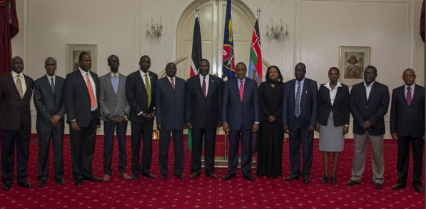 Machar's advanced delegation taking a group photo with president Uhuru Kenyatta