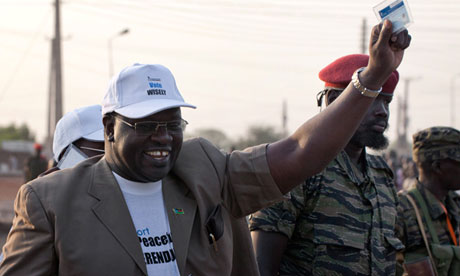 Dr. Riek Machar Teny congratulates the three governors and people of equatoria for the bold step they made to declare their support for federalism. Machar tells that they are on the right direction for their people(Photo: Yasuyoshi Chiba/AFP)