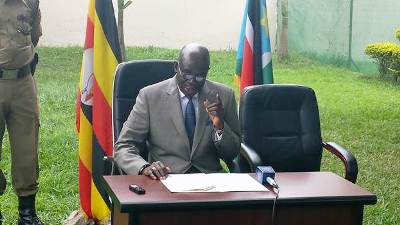 South Sudan Ambassador to Uganda addressing Press early this year in Kampala (via ST)