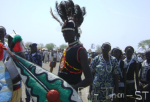 Fangak popular tradition dance during an entertainment contest in Juba, March 11, 2010 (photo: Philip Thon Aleu)