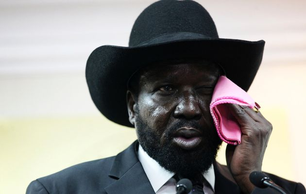 President Salva Kiir Mayardit photo, wiping his face with a banned pink-handkerchief (Photo: Via Wikipedia)