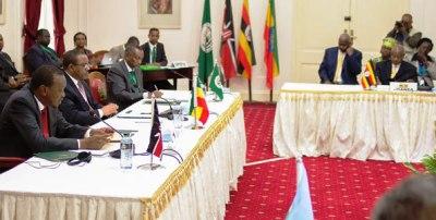 South Sudan rebel delegation holds talks with IGAD mediators on December 27, 2013(Photo: PSCU)