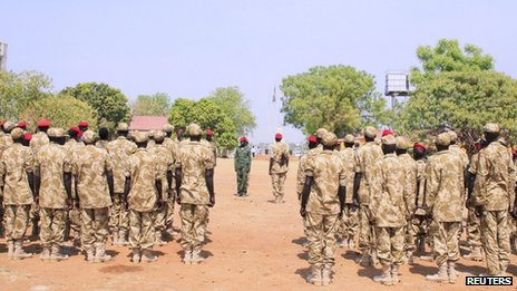 South Sudanese soldiers gather for a briefing at the army general headquarters in Juba in the past(Photo: via Reuters)
