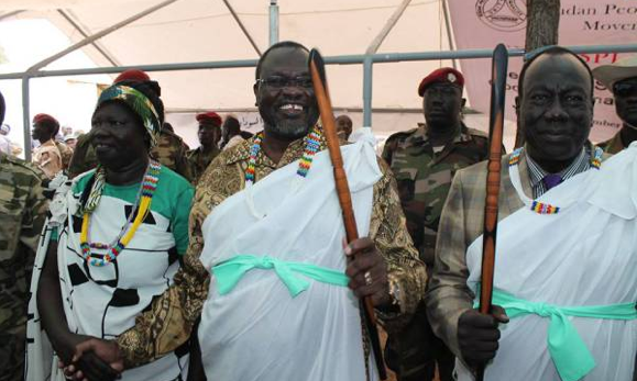 Lt. Gen. Alfred Ladu Gore and Dr. Riek Machar Teny welcomed during Pagak Conference in Pagak, South Sudan (Photo: Nyamilepedia)