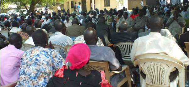 Hundreds of South Sudanese waiting for Isaiah Chol Aruai and his colleagues in Juba before their arrival(Photo: Supplied/Nyamilepedia)