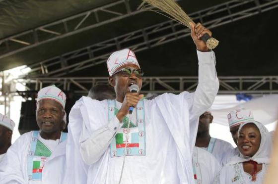 The newly elected President of Nigeria Gen. Muhammadu Buhari (C),  (Photo/Reuters)
