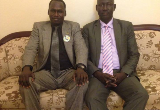 Gordon Buay Malek sits with a newly defected Brig. Gen. Lul Ruai Koang(Photo: file)