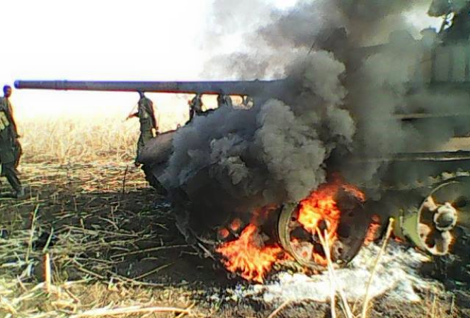 A military tank destroyed last week in South Sudan's Norther Upper Niile by the SPLA-IO forces(Photo: Meat/Nyamilepedia)