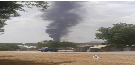A building burning in Juba in March 2014 as the confilct continued to consumed the capital(Photo: Nyamilepedia)
