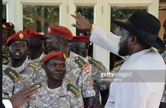 South Sudan's troubled President Salva Kiir Mayardit (C) directly addressing his Presidential Guard during a meeting at the Presidential Palace in Juba, South Sudan on December 28, 2014. (Photo credits:  Samir Bol/Anadolu Agency/Getty Images)