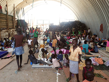 Thousands of South Sudanese populations sheltering in a UN base in Bor, Jonglei (Photo: AFP)