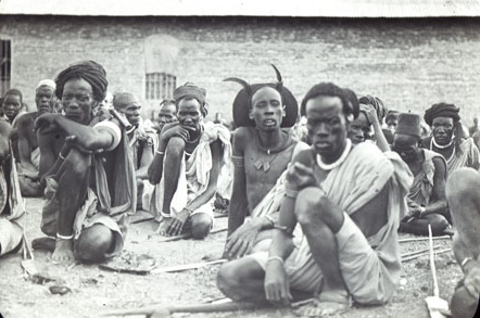 Shilluck tribemen waring tradition attires in 1960s(Photo: unidentified)
