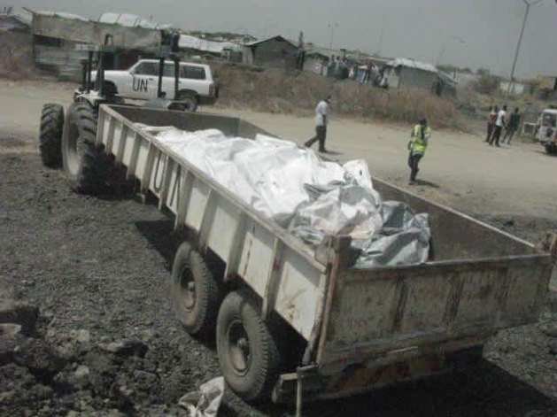 Bodies loaded on to the truck after Government's forces attacked PoC sites of Nuer and Shilluk IDPs (Phto/Nyamilepedia).