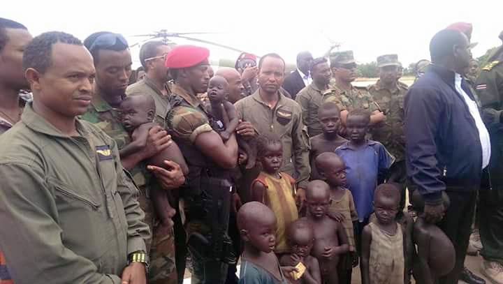 Gambella Regional President H.E. Mr. Gatluak Tut Khot welcoming the released children in Gamebella, Ethiopia(Photo credits: UU Dialy)
