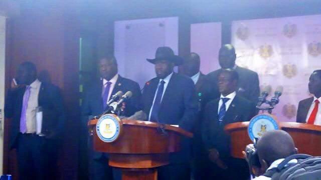 South Sudan's president Salva Kiir, First Vice President Riek Machar and the second Vice President James Wani Igga briefing the national during a fighting at J1(photo: file)